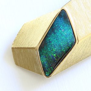 NATURAL SOLID AUSTRALIAN BOULDER OPAL 4.04CT SOLID 18CT 18K BROOCH HANDMADE