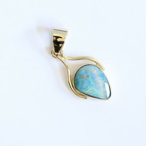 18CT 18K YELLOW GOLD NATURAL SOLID 0.98CT BOULDER OPAL PENDANT MADE IN AUSTRALIA