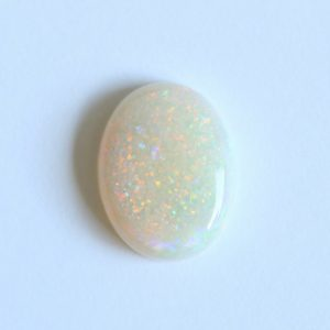 Natural solid white / light opal loose stone 3.07ct